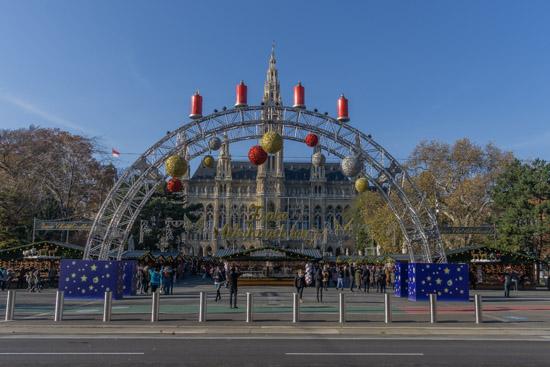 Piazza del Municipio di Vienna di Giorno